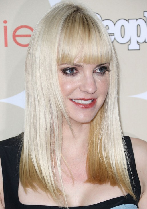 Anna Faris Long Hairstyles 2014: Blunt Straight Hairstyle