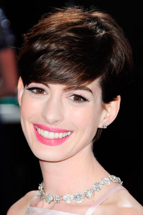 Anne-Hathaway-Short-Hairstyles