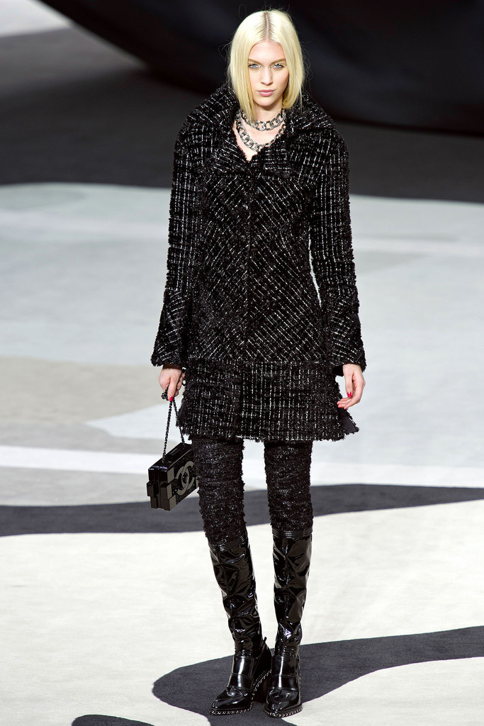 CHANEL FALL 2013 RTW JULIANA SCHURIG