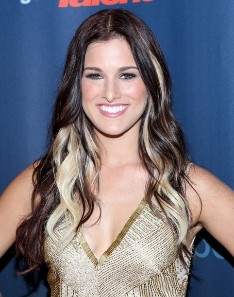 Cassadee Pope Long Hairstyles 2014: Center Part Hairstyle for Waves