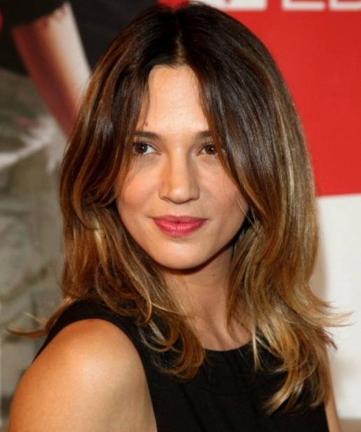 medium hairstyles for square faces : Center-parted Long Ombre Wavy Hairstyle for Long Face