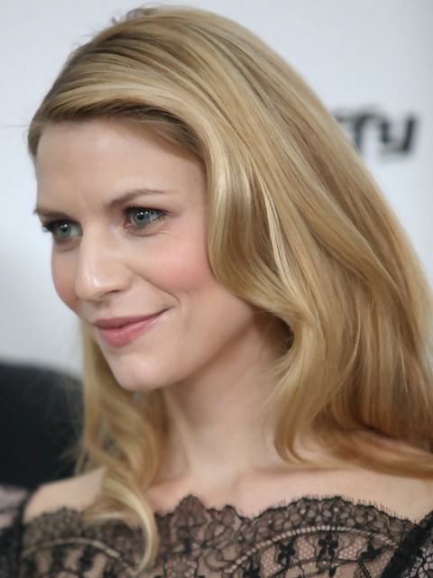 Claire Danes Hairstyles: Radiant Medium Wavy Haircut