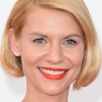 Claire Danes Hairstyles: Side-parted Medium Bob