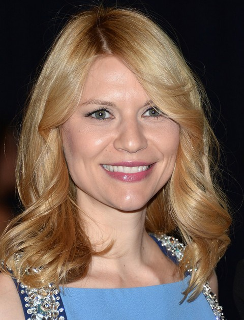 Claire Danes Hairstyles: Side-parted Wavy Haircut