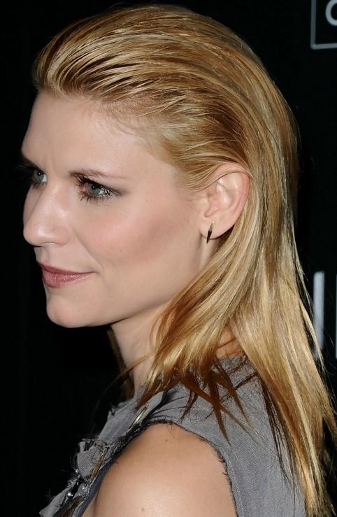 Claire Danes Hairstyles: Sleek Straight Haircut