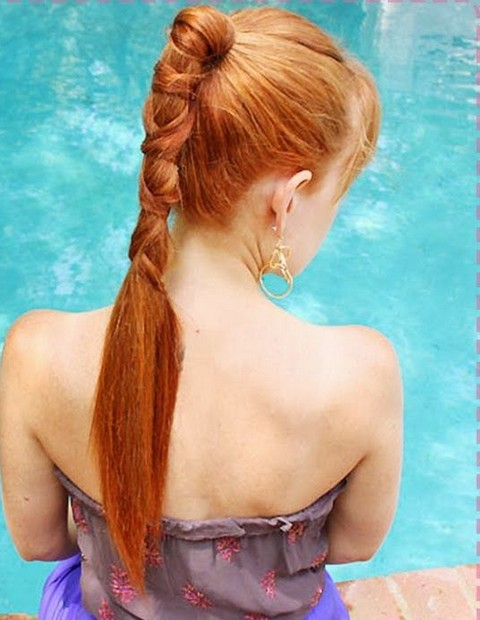 Emma Stone Hairstyles: Cute Ponytail for Golden Hair