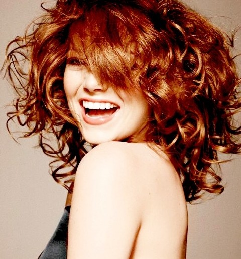 Emma Stone Hairstyles: Fascinating Voluminous Curls
