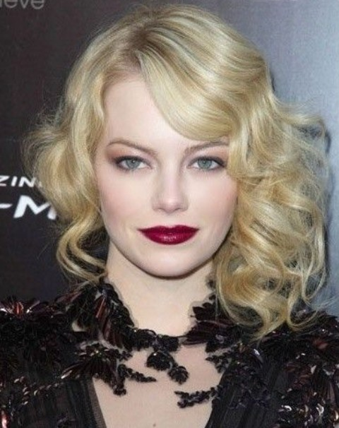 Emma Stone Hairstyles: Retro-chic Blonde Curls