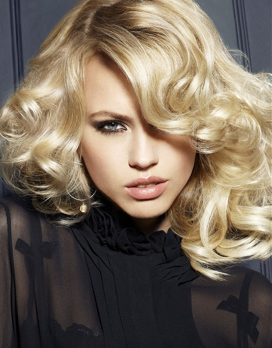 Franck Provost-long-blonde-wavy-hairstyles