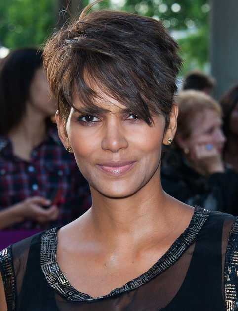 Halle Berry's Short Hairstyles: Straight Pixie Cut