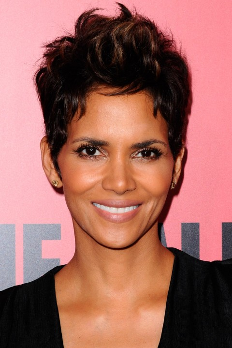 Halle-Berry's short hairstyles
