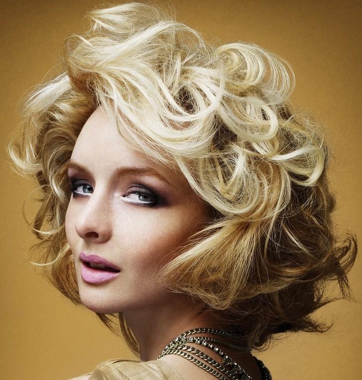 модные прически укладки на средний волос