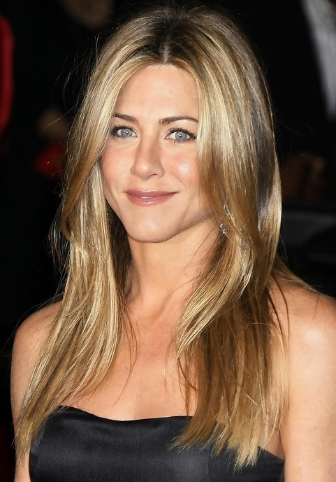 Pics Photos - Jenifer Aniston Short Flippy Hairstyles Beaches In New ...