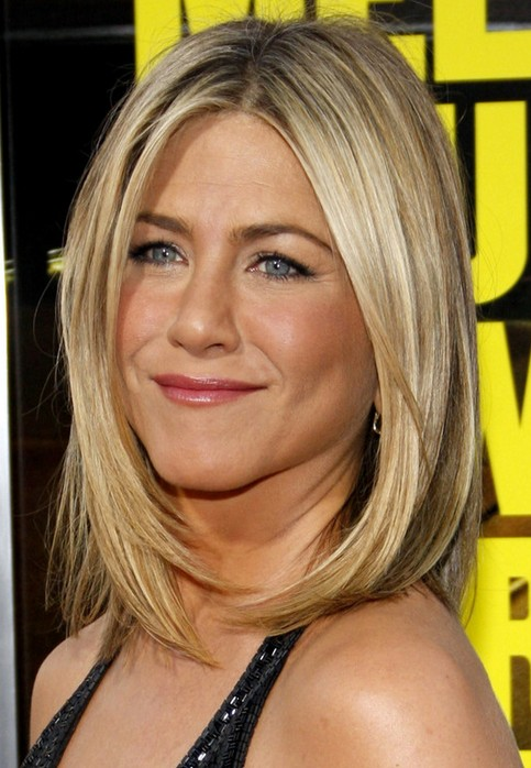 shoulder length straight haircuts 25 aniston hairstyles aniston hair 2358 | Jennifer Aniston Medium Length Hairstyle Straight Haircut