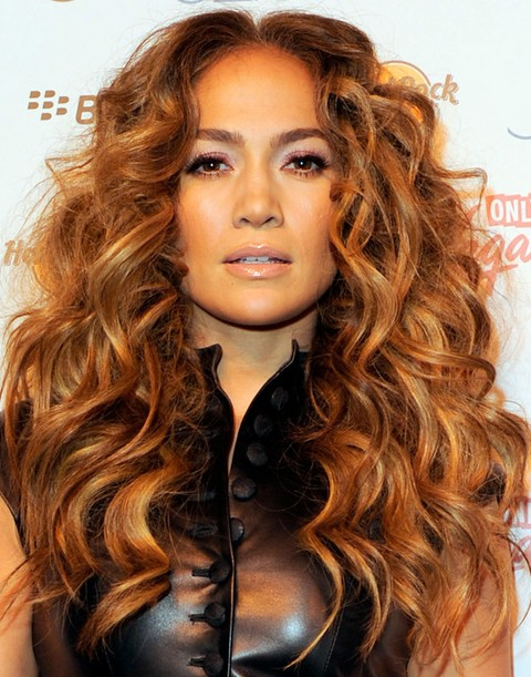 Jennifer Lopez Hairstyles: Golden Voluminous Long Curls for an Edgy Look