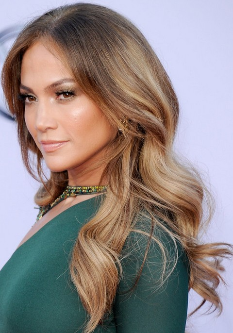 Jennifer Lopez Hairstyles: Ombre Loose Curls for Any Occasion
