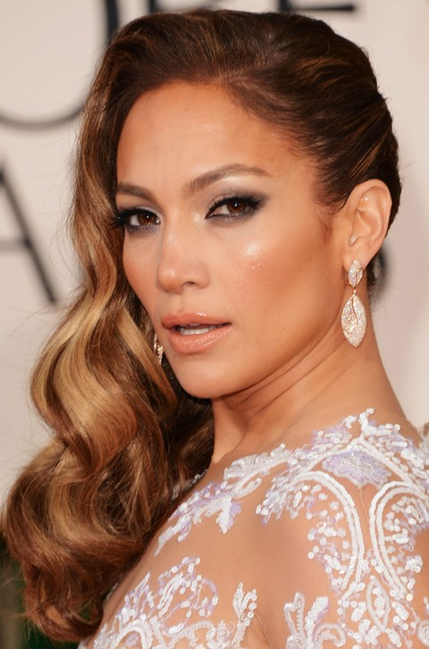 Jennifer Lopez Hairstyles: Side-swept Long Curls for an Edgy Look