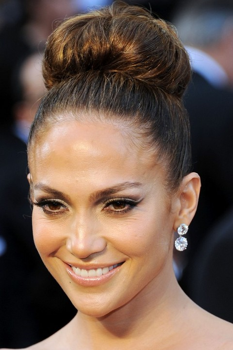 Jennifer Lopez Hairstyles: Spirited Classic Bun for Ladies