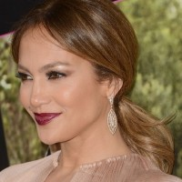 Jennifer Lopez Hairstyles: Stylish Loose Ponytail for Office Ladies