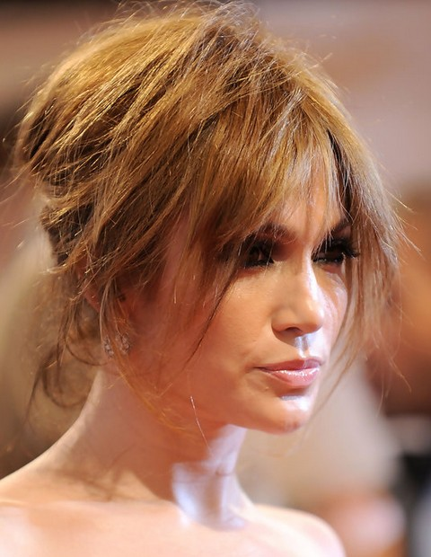 Jennifer Lopez Hairstyles: Super-chic Messy Updo