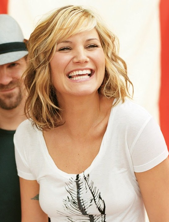 Jennifer Nettles Pretty Designs
