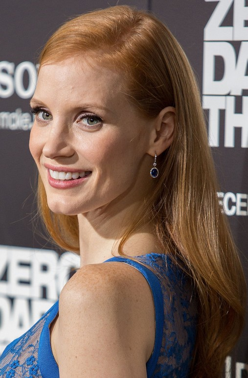 Jessica Chastain Long Hairstyle: Natural Waves
