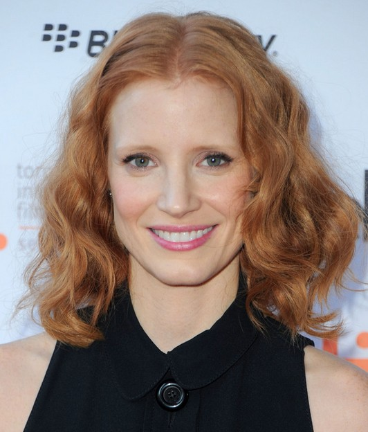 Jessica Chastain Mid-length Hairstyle: Curls for Summer