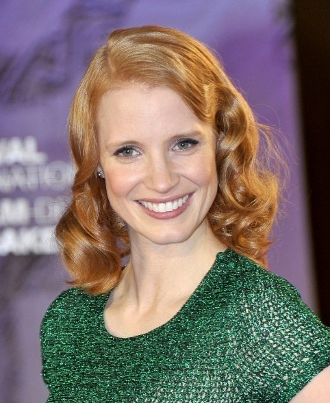 Jessica Chastain Mid-length Hairstyle: Retro Curls