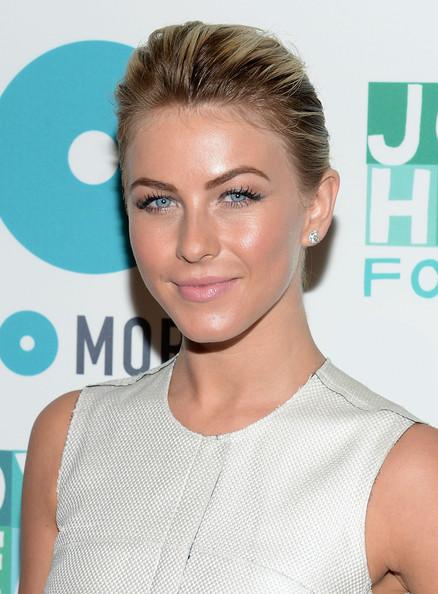 Julianne Hough Classic Bun
