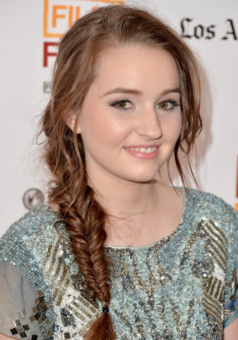 Kaitlyn Dever Long Hairstyles 2014: Cute Easy Braided Hairstyle