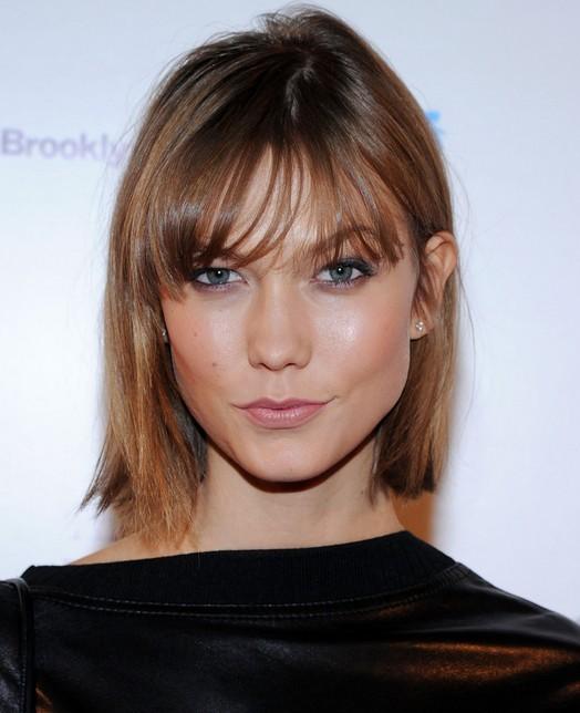 Karlie Kloss' Short Hair Styles: Blunt Bob for Straight Hair