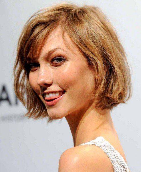 Karlie Kloss' Short Hairstyles: Bob Haircut for Short Hair /Source ...