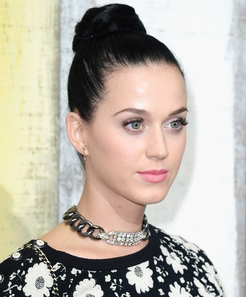 Kat Perry Hairstyles: Adorable Hair Knot