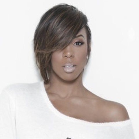 Kelly Rowland Hairstyles: Side-swept Short Haircut
