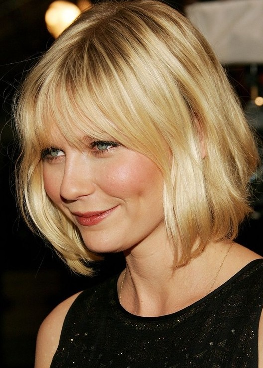 Kirsten Dunst's Short Hairstyles: Layered Wavy Bob