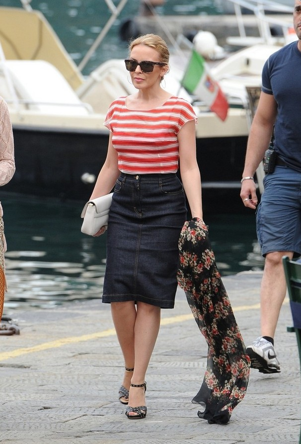 Kylie Minogue Preppy Knee-length Denim Skirt