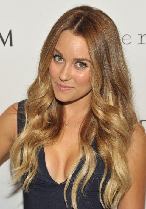 The ombre hair is hot in recent years, the ombre hair trend is more