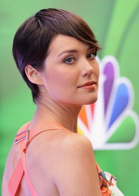 Megan Boone Short Hairstyles 2014 - Stylish Short Straight Haircut with Bangs