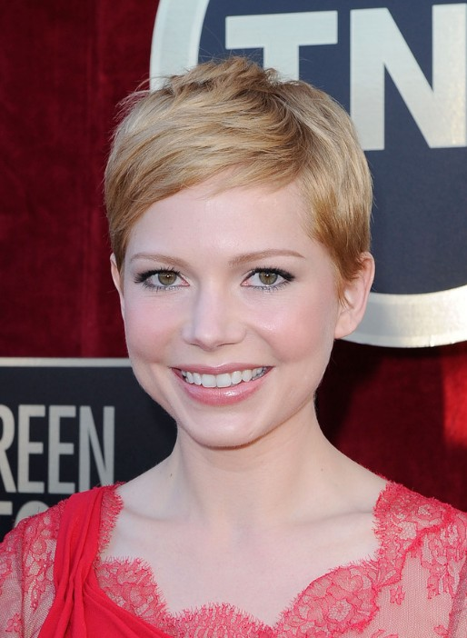 Michelle Williams Pixie Cut  - Short Straight Haircut for Round, Oval Faces