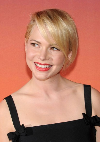 michelle williams short hairstyle side parted short