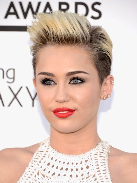 Miley Cyrus's Short Hair Cuts: Blonde Pixie Haircut