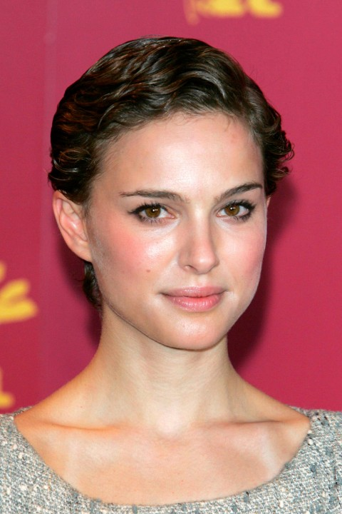 Natalie-Portman's short hairstyles