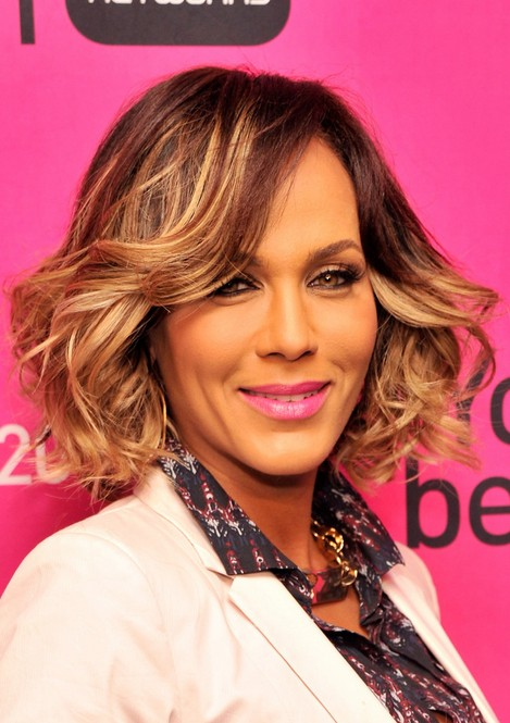 Nicole Ari Parker Short Hair Style  - Layered Short Wavy Hairstyle for Thick Hair