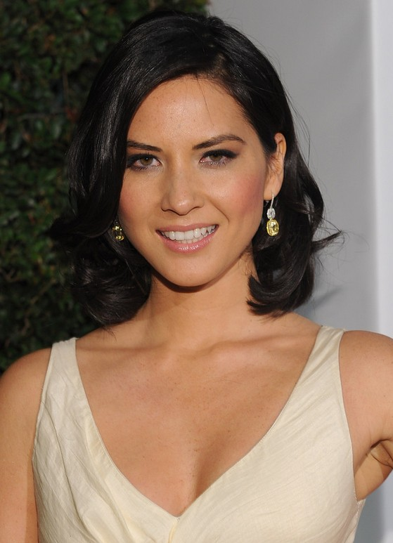 Olivia Munn Hairstyle: Mid-Length Bob with Side Bangs