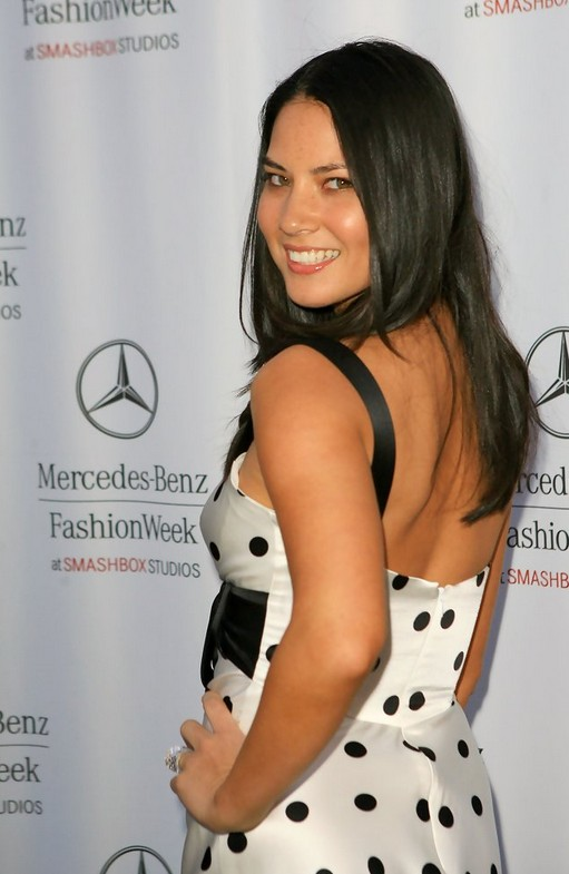 Olivia Munn Long Hairstyle: Straight Haircut in Grey Dark