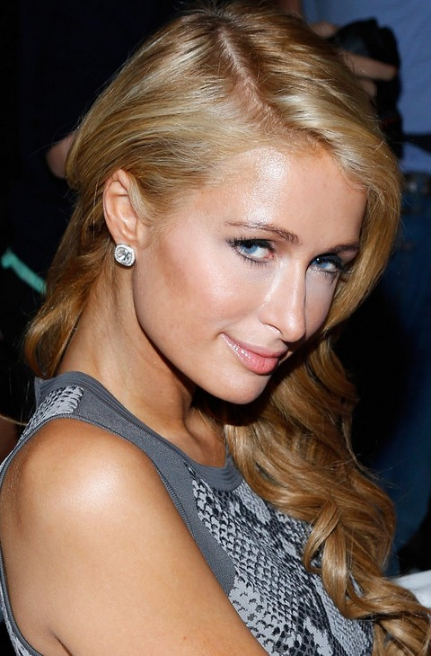 Paris Hilton Hairstyles: 2014 Sweet Side-swept Curls