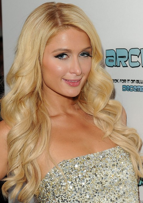 Paris Hilton Hairstyles: Mellicious Side-parted Long Curls