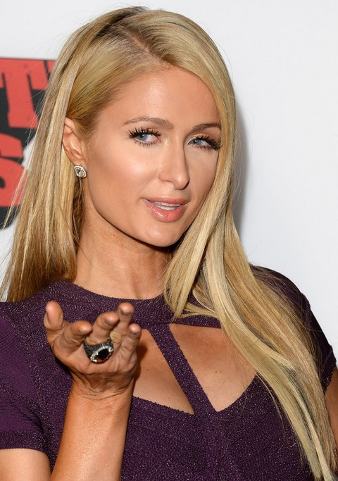 Paris Hilton Hairstyles: Side-prted Long Straight Haircut
