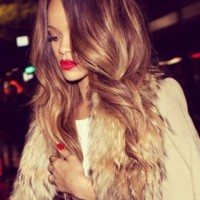 Rihanna Hairstyles: Sexy Ombre Loose Curls