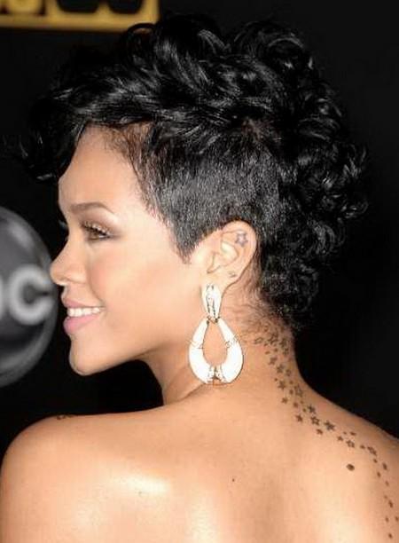 Rihanna Short Black Ha...